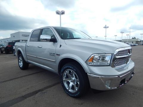 NEW 2017 RAM 1500 LARAMIE CREW CAB 4X4 5'7 BOX